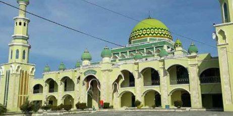 penggiat agama di masjid